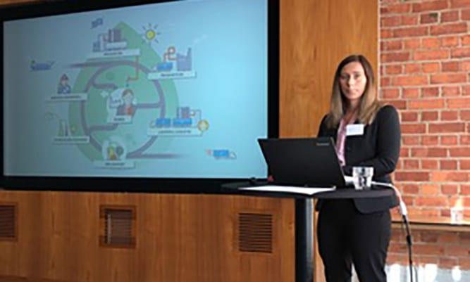 Emma Nyström, CEO Assistant på Wibax, höll en presentation om Wibax och vårt sätt att arbeta med målstyrning.